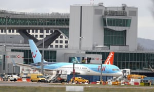 Planes grounded at Gatwick airport